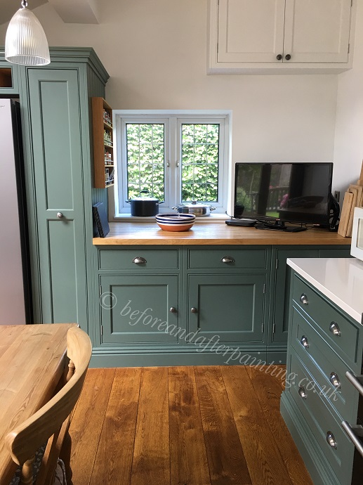 hand painted kitchen in kent using benjamin moore scuff-x caldwell green